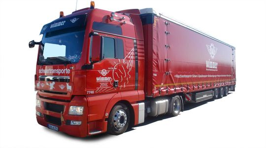 Roter Wimmer Schwertransport